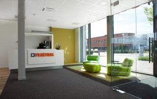 Verbouw kantoor en bedrijfsruimte voor Finstral Nederland